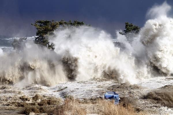 В мире больше людей страдают от стихийных бедствий, чем от военных конфликтов