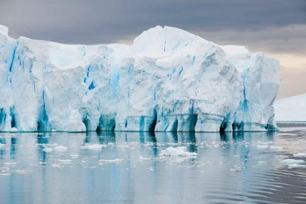 Антарктида ускорила темпы по таянию льдов