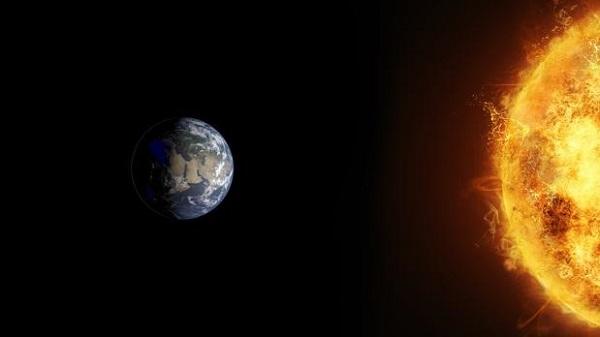 Кто открыл, что Земля крутится вокруг Солнца?