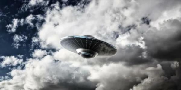 В небе над Швецией на огромной скорости пролетел НЛО