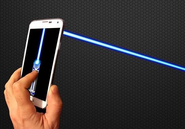 Телефон можно будет заряжать при помощи лазера