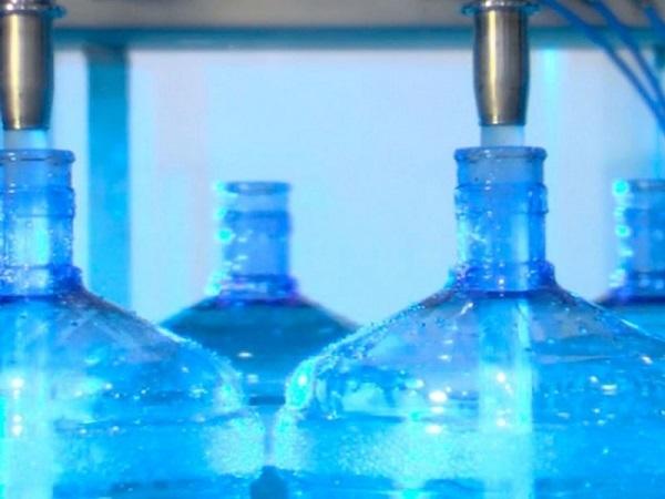Вода в пластиковых емкостях опасна для здоровья