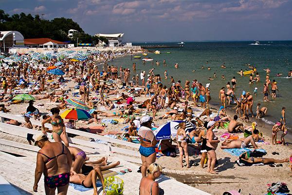 Мэрия Одессы заявила о непригодности местных пляжей для купания