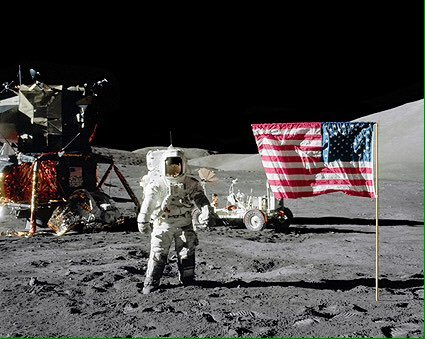 NASA планирует отправить на Луну женщину-астронавта