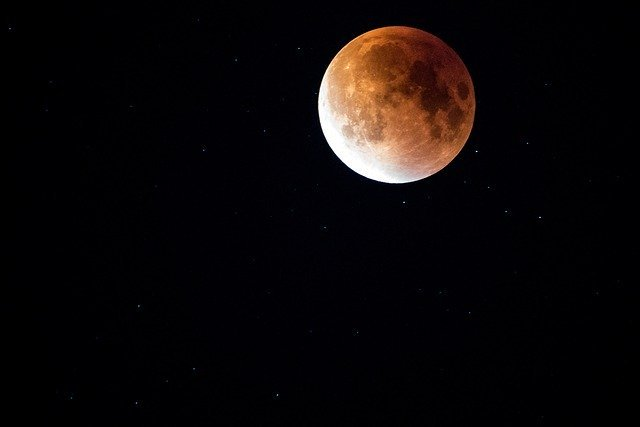 США планируют установить на Луне ядерный реактор
