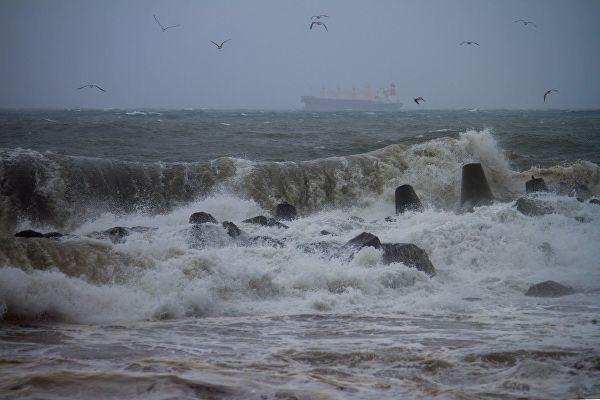 Тайфун «Кроса» во Владивостоке пока не причинил вреда городу