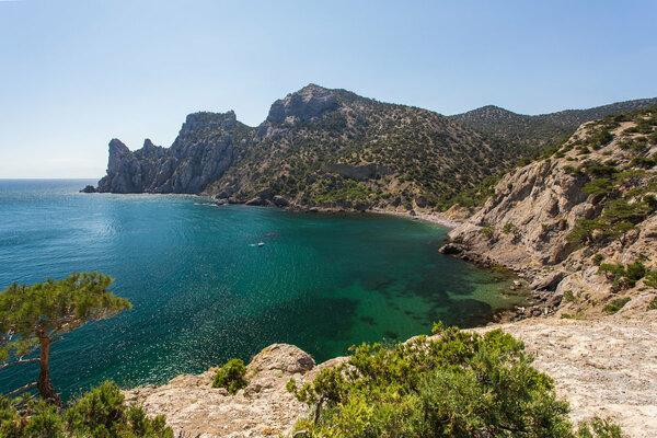 В Крыму власти ограничили купание на 11 пляжах