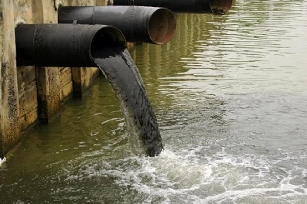 В Уфе оштрафовали две компании за загрязнение реки Белой