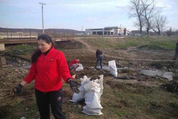 Жители Ингушетии очистили берега рек от мусора