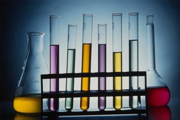 Сколько стоит литр человеческой крови, жидкой бумаги и других дорогих жидкостей в мире