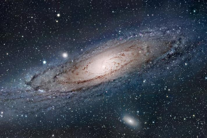 Спутник Gaia увидел соседнюю галактику