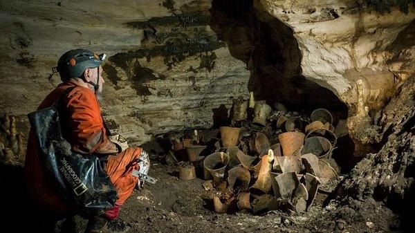 Археологи обнаружили сокровища в ритуальной пещере майя