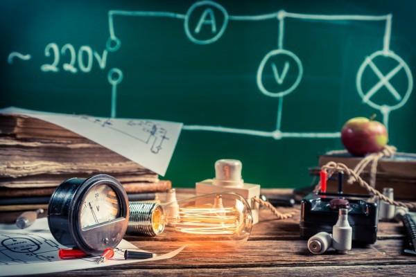 Интересные факты о физике-экспериментаторе Фарадее