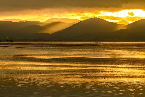 Необычные места на Земле: самые странные озёра мира