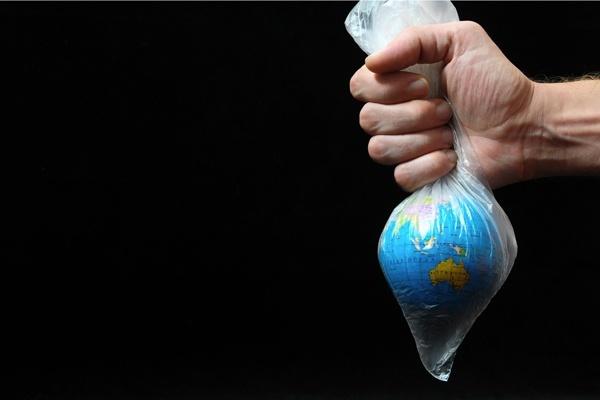 Отказ от пластиковых пакетов: почему стоит быть в тренде