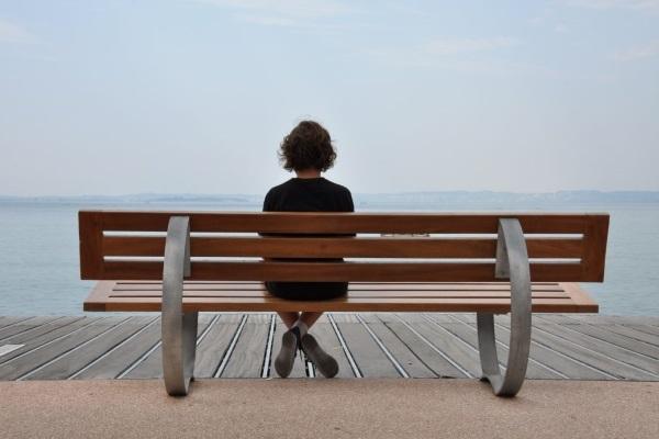Ученые узнали, почему некоторые склонны к одиночеству, а сила иммунитета связана с сексом
