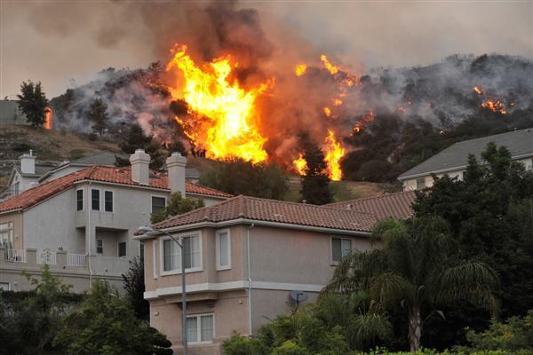 В пожарах в Калифорнии есть что-то странное