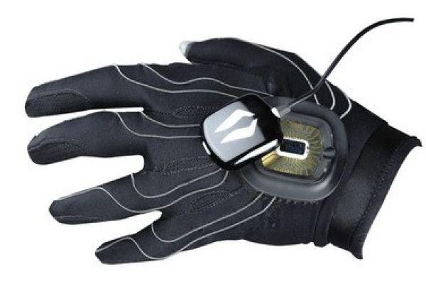 Перчатка с пятью сотнями датчиков улучшает ловкость руки