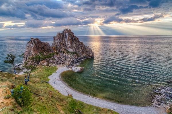 Уникальное озеро Байкал нуждается в защите