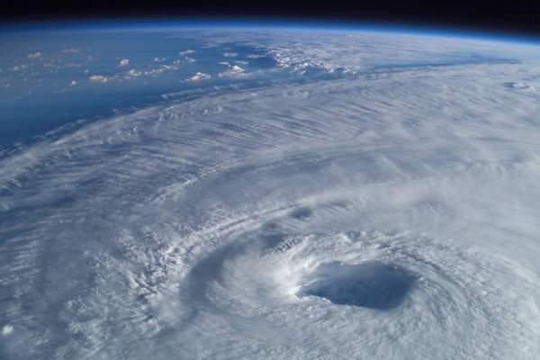 Дыра в озоновом слое Антарктики начинает зарастать