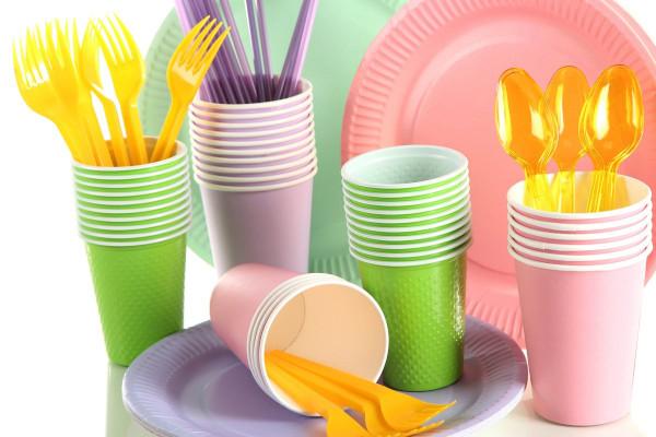 В Молдове будут штрафовать за продажу пластиковых пакетов и посуды