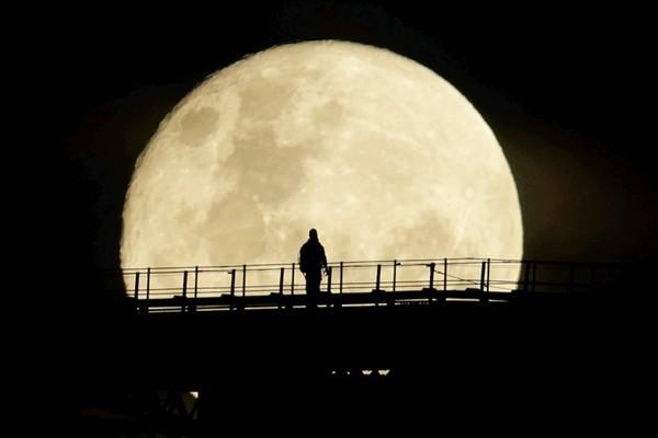 Как и когда лучше всего смотреть на Луну