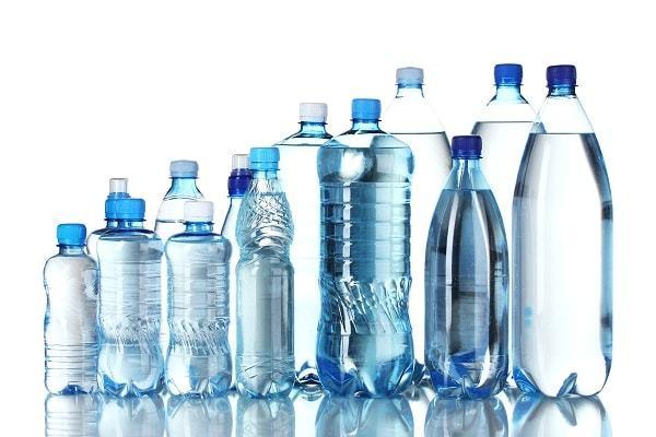 Пластик портит бутилированную воду