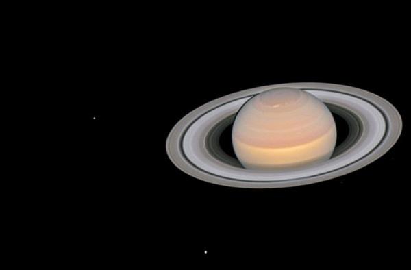 На спутнике Сатурна существуют пересыхающие озера