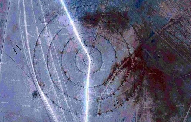 На дне секретного озера обнаружили загадочные круги