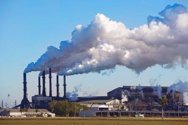 Паронитовый заводик в Першино вредит под чиновничьей