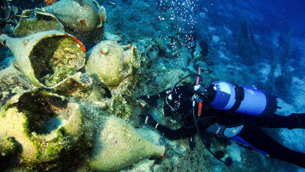 На дне Средиземного моря обнаружили древнеримский корабль