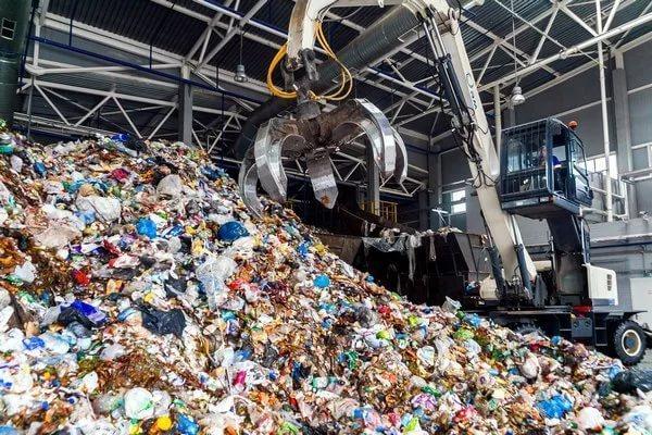 Два комплекса по переработке отходов запустят осенью в Подмосковье