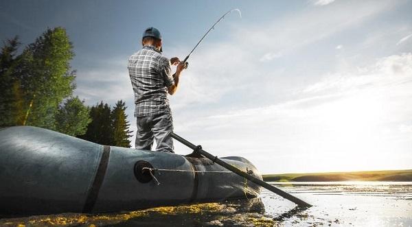 Чемпион мира по рыбной ловле поддерживает введение рыбацкого налога
