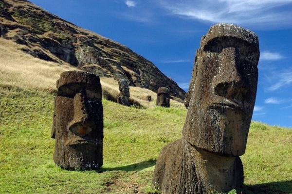 Остров Пасхи: платформы и статуи обозначают силу и богатство кланов