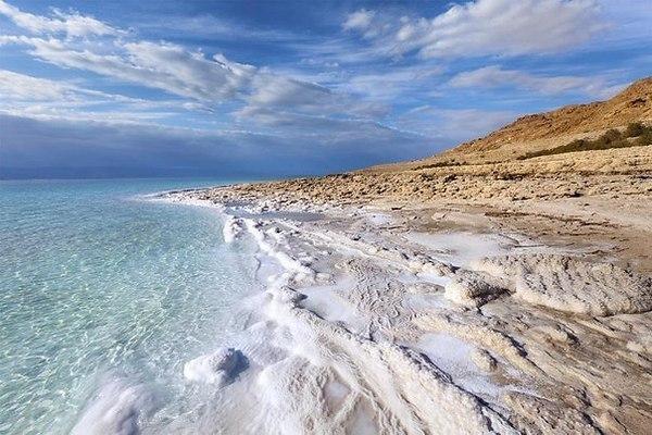 Почему в океанах соленая вода?