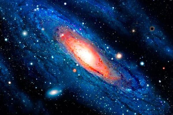 Галактики Андромеда и Сомбреро: интересные факты