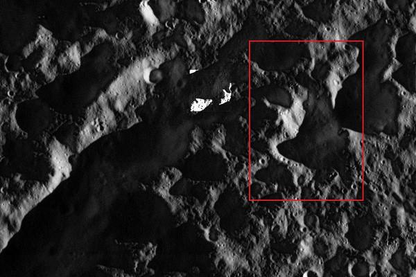 Гигантский ледяной вулкан найден на спутнике Сатурна