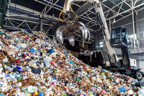 Эксперт предложил внедрить в РФ двухконтейнерную систему по утилизации отходов