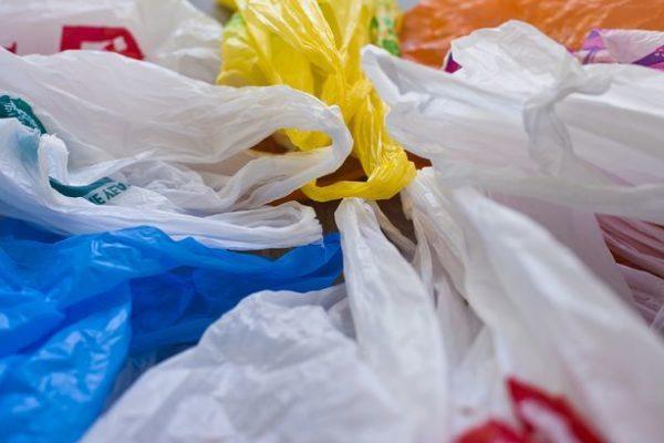 Запрет пластиковых пакетов в России - хорошая идея, которая мало что изменит