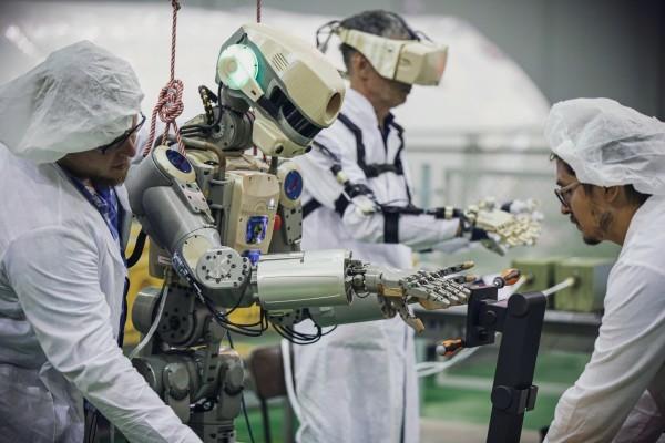 Россия и Япония могут создать уникального космического робота, взяв за основу