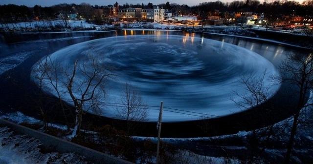 На американской реке снова появился ледяной диск