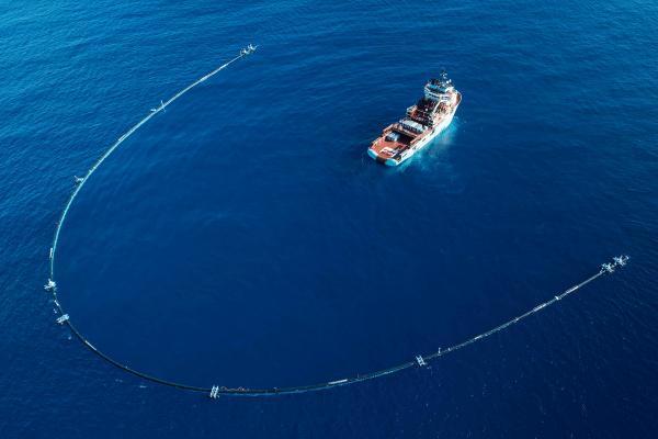 Проект Ocean Cleanup берет на себя пластик из 1000 рек