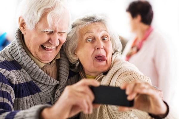 Пожилые люди принимают необдуманные решения