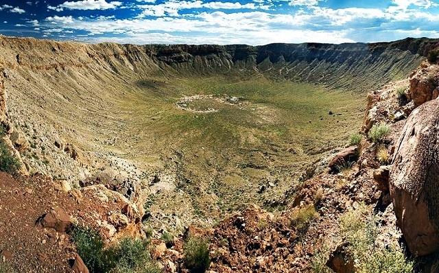 Вредефорт - самый крупный кратер на Земле