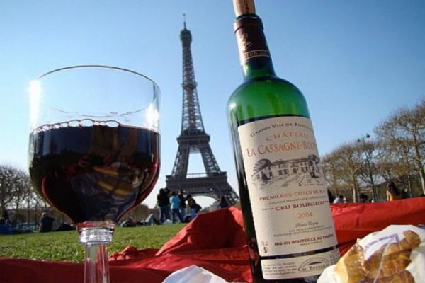 На МКС отправили французское вино