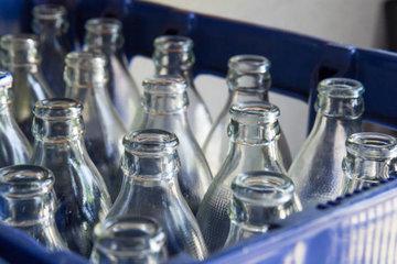 В России собираются возобновить прием стеклотары в магазинах