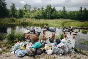 Эксперт назвал оставленный туристами мусор одной из главных проблем Байкала