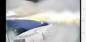 На горнолыжных курортах Сочи выпал первый снег