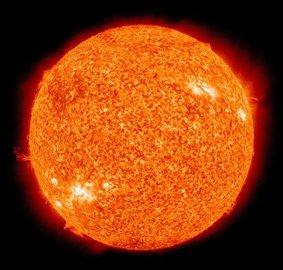 На Солнце зафиксирована мощнейшая вспышка за последние три года