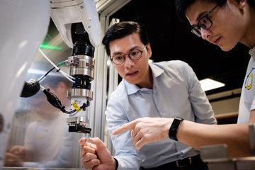Китайские ученые создали шелковый датчик для анализа пота